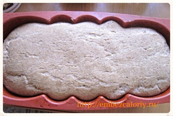 Тесто в форму, расстойка, выпекаем