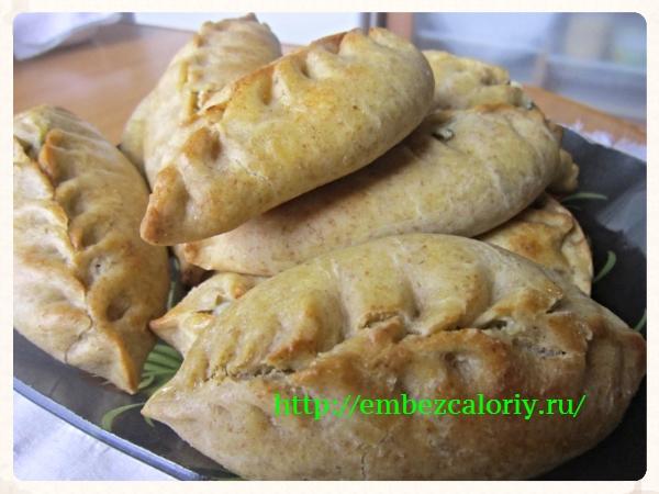 Пирожки с ревенем и творогом готовы!