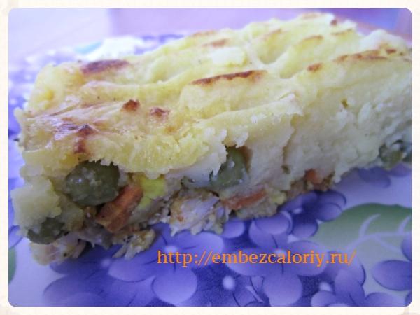 Рыбка, запеченная под картофельным пюре