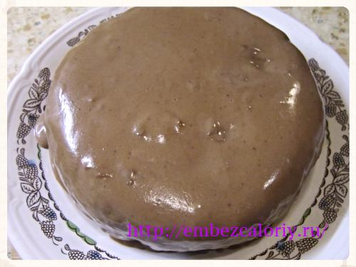 заливаем горячим шоколадным соусом