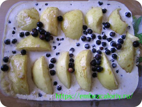 сливками заливаем яблоки