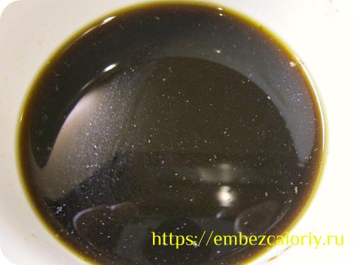 Растворяем кофейный напиток в воде