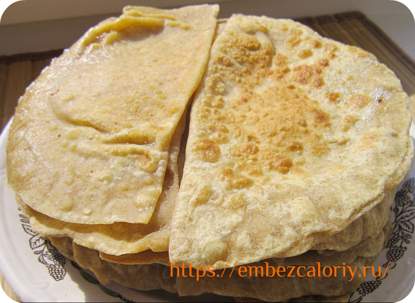 Румяные чебуреки с сыром готовы!