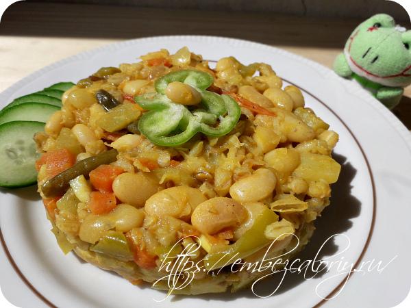 Вегетарианское блюдо с овощами