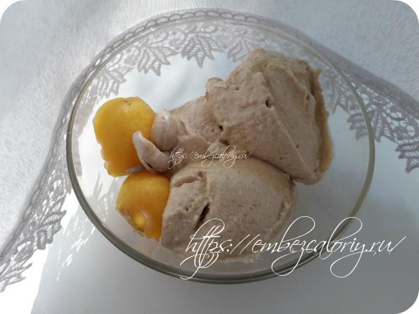 Бананово – абрикосовое вега мороженое готово