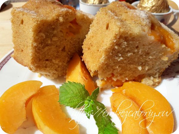 Наш воздушный пирог с абрикосами готов
