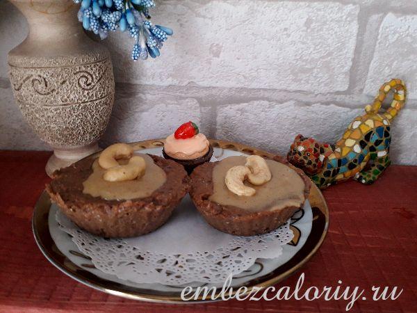 Пирожное с арахисовым урбечем